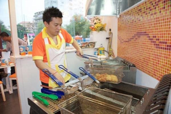 Là người kinh doanh lĩnh vực nhà hàng, nên Lam Trường cũng có khả năng nấu ăn rất ngon.