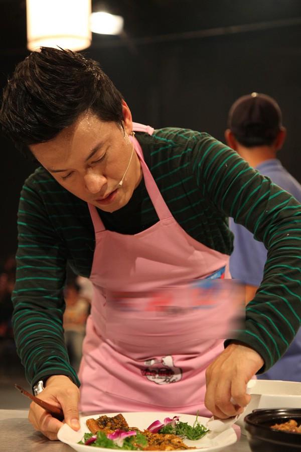 Anh Hai Lam Trường có thể nấu được món Á, Âu cũng như các món ăn mang đậm tính truyền thống Việt Nam.