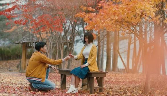 Mùa thu cũng là một mùa lý tưởng cho các cặp đôi trong chuyện ân ái - Ảnh minh họa: Internet