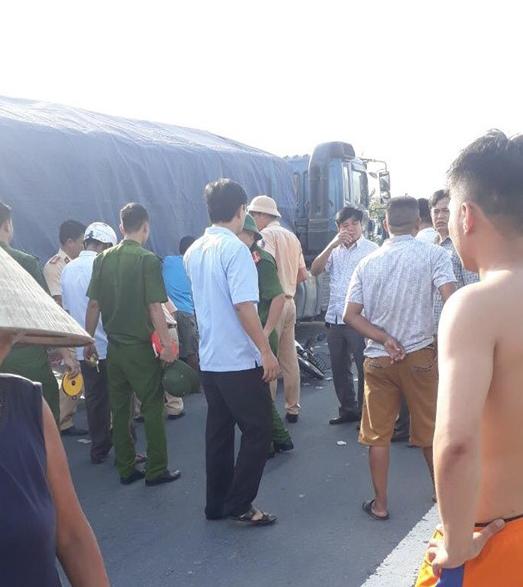 Hà Tĩnh: Va chạm với xe đầu kéo, cụ ông 71 tuổi tử vong tại chỗ - Ảnh 1.