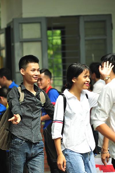 Những gương mặt rạng rỡ sau môn thi đầu tiên của kỳ thi tốt nghiệp THPT Quốc gia 2019 - Ảnh 7.