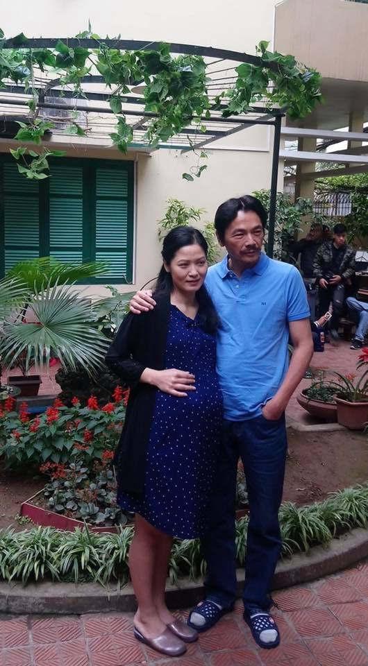 Thúy Hà đảm nhiệm thêm vai người vợ quá cố của ông Sơn (Trung Anh) trong phim.