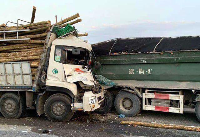 Xác định danh tính 2 nạn nhân tử vong trong vụ tai nạn thảm khốc trên cầu Thanh Trì - Ảnh 1.
