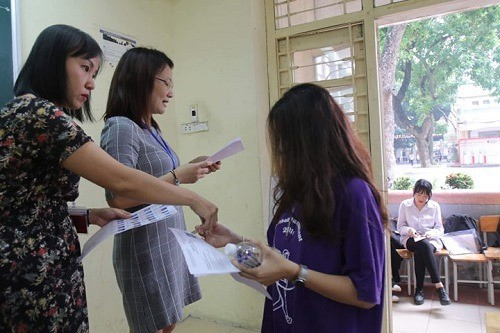 Các môn thi trong ngày thi thứ 2 luôn có trên 99% thí sinh đăng ký đến dự thi. Ảnh: N.H