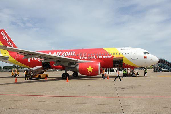 """Phi công """"phản pháo"""" giải thích của Cục Hàng không Việt Nam về việc cho phép Vietjet Air tăng thời gian bay - Ảnh 2."""