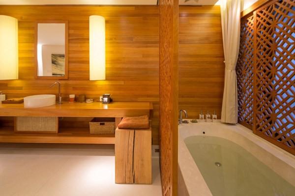 Nhìn vào chẳng khác gì đang tắm ở một resort cao cấp.
