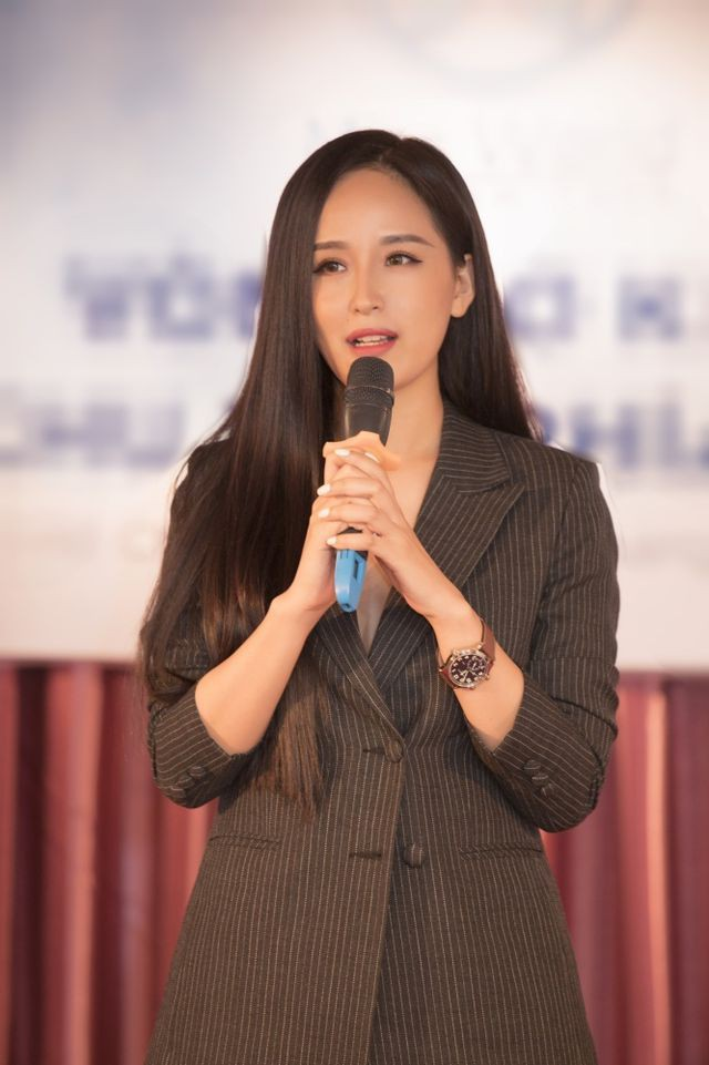 Mai Phương Thuý từng đại diện Việt Nam dự thi Miss World 2006. Cô vào top 17 chung cuộc và nằm trong số 20 thí sinh có trang phục dân tộc đẹp nhất. Từ khi đoạt vương miện đến nay, cô là một trong những hoa hậu được công chúng đánh giá cao về nhan sắc và bản lĩnh.