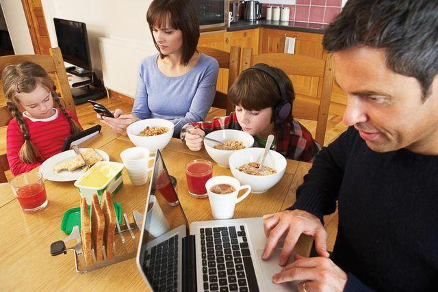 Hốt hoảng với nỗi niềm gia đình càng nhỏ sự cô đơn càng lớn - Ảnh 3.