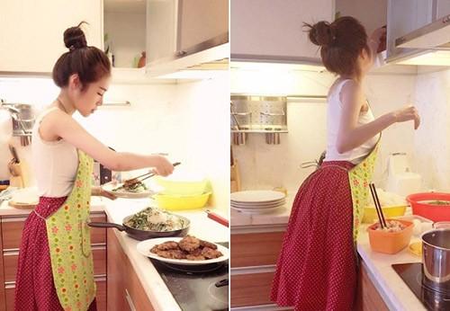 Elly cho biết cô được dạy đi chợ, nấu ăn từ lúc 5 tuổi.