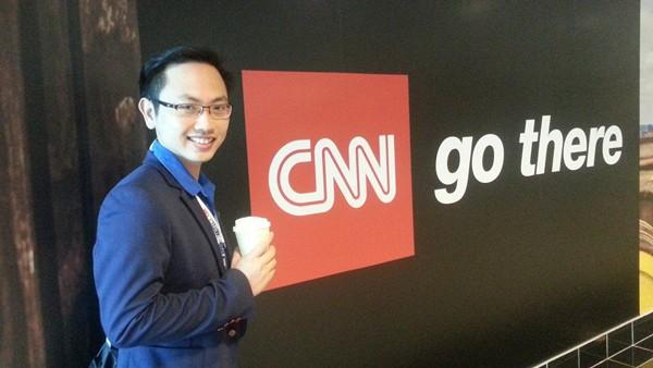Chồng MC Phí Linh hiện là phó Trưởng phòng tiếng Anh của VTV4.