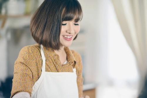 Ngoài sở thích ca hát, Bích Phương rất thích nấu nướng. Cô luôn ấp ủ mong muốn chia sẻ công thức những món ăn cô thường nấu cho mọi người.