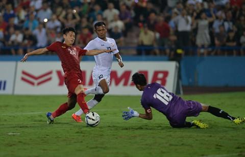 Dứt điểm là một trong những điểm yếu của U23 Việt Nam trước Myanmar. Ảnh: Việt Hùng.
