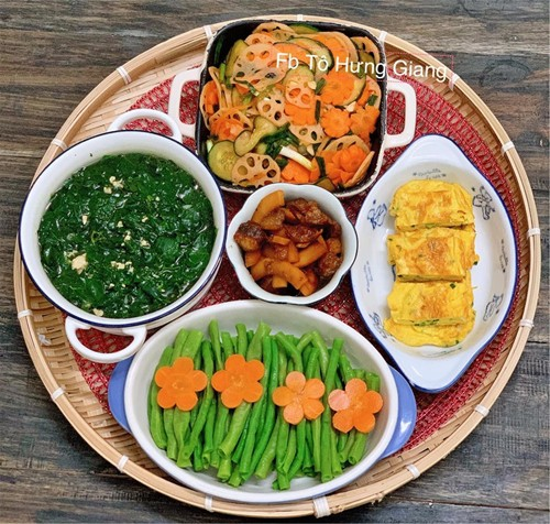 Món ăn do chị nấu thường không cầu kỳ mà sử dụng nguyên liệu đơn giản, chế biến theo tiêu chí hạn chế dầu mỡ, ngon miệng và tốt cho sức khỏe.