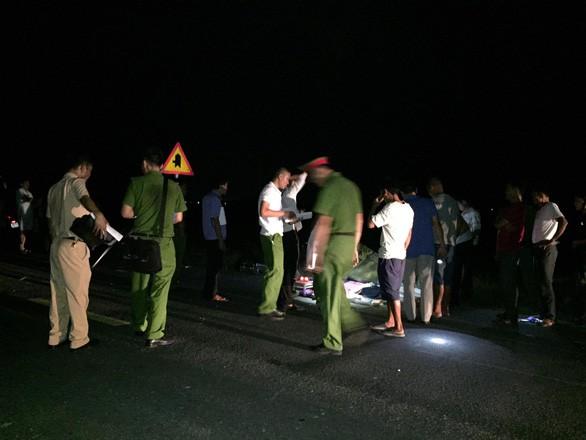 Khởi tố vụ tai nạn khiến 3 em nhỏ tử vong thương tâm ở Hà Tĩnh - Ảnh 1.