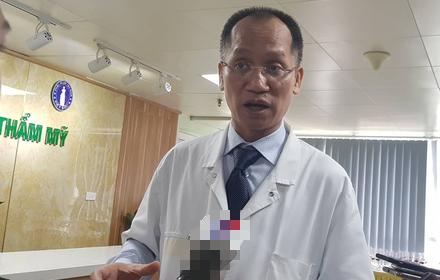 Ngực đau nhức, chảy mủ dịch, thâm tím sau bơm ngực ở spa tại Hà Nội  - Ảnh 2.