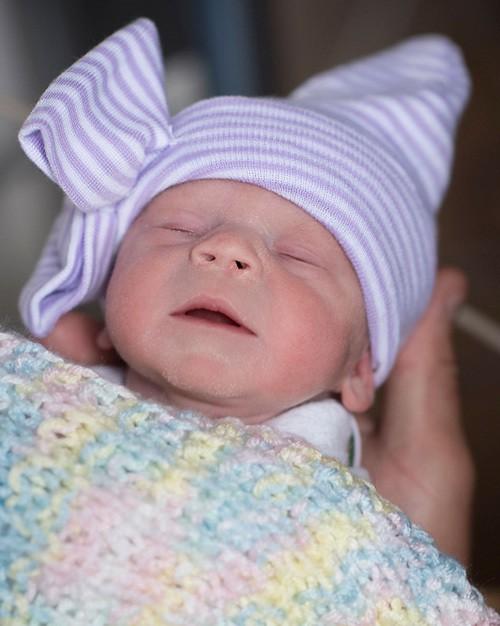 Em bé chào đời hồi tháng trước tại bệnh viện Cleveland. Ảnh: AP.