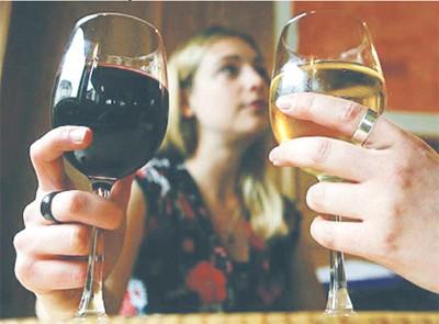 Dưới tình trạng say rượu, quá no, quá đói... đều không thích hợp sinh hoạt tình dục ngay lập tức.