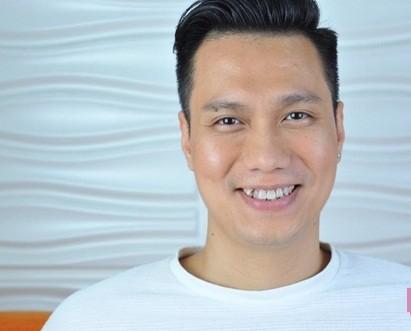 Không chỉ bây giờ,  diễn viên Việt Anh đã có quá trình dài để nâng cấp nhan sắc khác lạ - Ảnh 9.