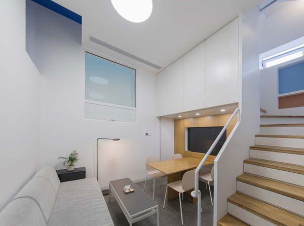 Phòng ăn được kết hợp chung với phòng khách để tiết kiệm diện tích cho ngôi nhà.