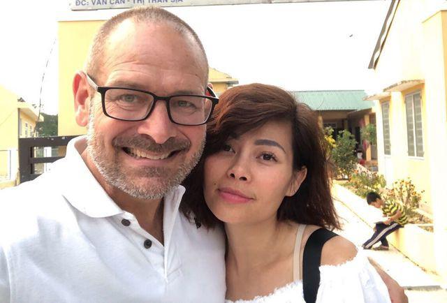Ngọc Anh thổ lộ: Cái đầu tiên làm mình thu hút ở anh ấy là tình yêu anh dành cho Hà Nội cũng như mọi miền trên đất nước Việt Nam... (Ảnh NSCC)