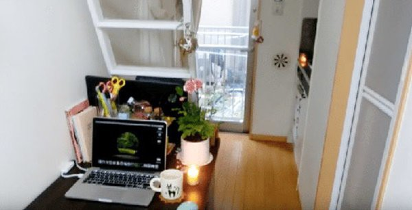 Khu vực làm việc cũng được bố trí theo phong cách cực kì tối giản.