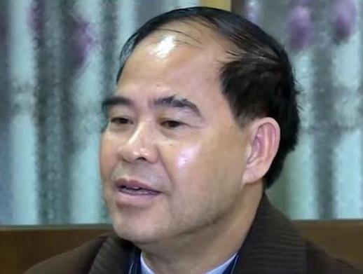 Vụ hiệu trưởng dâm ô nhiều nam sinh ở Phú Thọ: Tòa trả hồ sơ điều tra bổ sung - Ảnh 1.