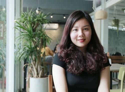 Hoàng Ngọc Trâm, thủ khoa đầu ra năm 2019 của Đại học Hà Nội. Ảnh: Thanh Hằng