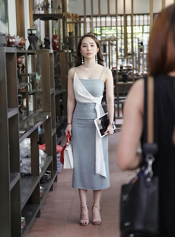 Quỳnh Nga trong phim Về nhà đi con.