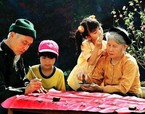 Theo các chuyên gia, Việt Nam là quốc gia có tốc độ già hóa dân số nhanh nhất thế giới. Ảnh minh họa