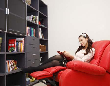 Phòng đọc sách là nơi Huyền thư giãn