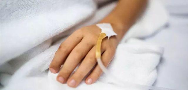 Người phụ nữ bị ung thư dạ dày và chết sau hơn 1 năm điều trị. (Ảnh minh họa)