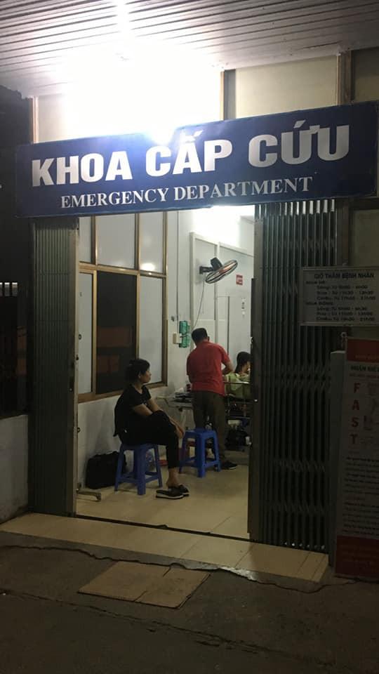 Cháu Ánh được chuyển từ BVĐK Tuyên Quang lên Việt Đức đêm qua
