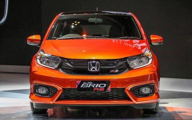 Vừa ra mắt, Honda Brio giảm giá từ 15 triệu đồng.