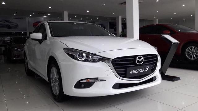 Mazda 3 hưởng ưu đãi mạnh lên đến 70 triệu đồng.