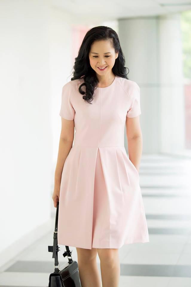 Cân đo gu thời trang của 2 mẹ chồng Bảo Thanh: Trên phim thì khác xa nhưng ngoài đời thì 8 lạng, nửa cân - Ảnh 23.