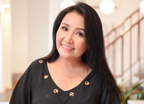 Cân đo gu thời trang của 2 mẹ chồng Bảo Thanh: Trên phim thì khác xa nhưng ngoài đời thì 8 lạng, nửa cân - Ảnh 6.