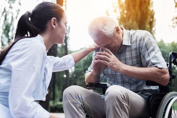 Xót lòng ngày mẹ chồng mất, bố chồng bốc cả cơm cúng của vợ để ăn, nửa năm sau ông đã đề nghị một chuyện khiến cả nhà tôi choáng váng - Ảnh 2.