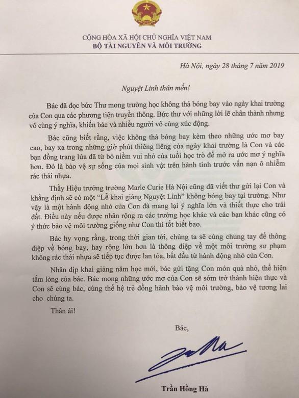 Bộ trưởng Trần Hồng Hà gửi thư cho bé Nguyệt Linh về thông điệp bóng bay ngày Khai giảng - Ảnh 1.