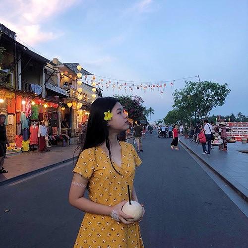 Con gái 15 tuổi của nghệ sĩ Chiều Xuân khoe ảnh áo tắm nóng bỏng - Ảnh 12.