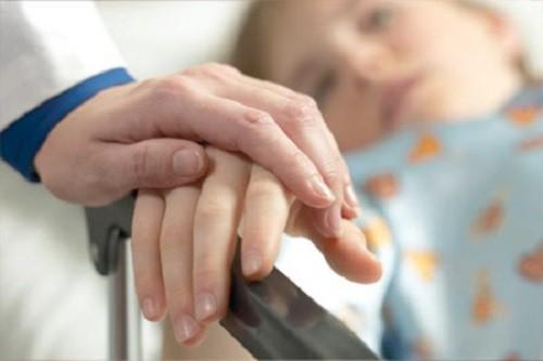 Sai lầm chết người khiến người bệnh ung thư nhanh tử vong nhưng nhiều người vẫn mắc - Ảnh 2.