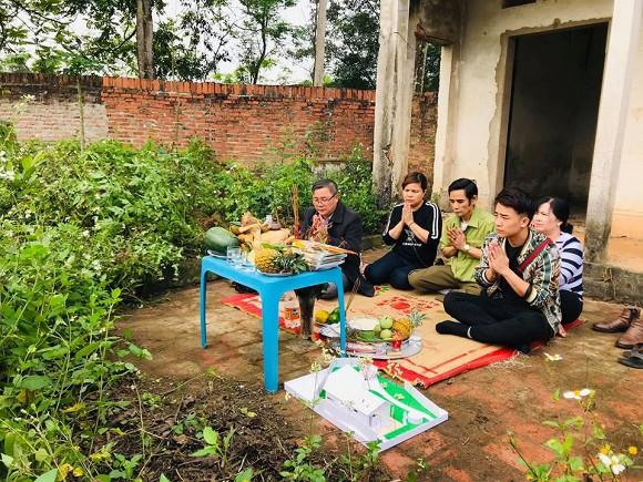Đầu năm 2019, nam diễn viên Đỗ Duy Nam bắt đầu khởi công ngôi nhà vườn Tam Đảo - món quà dành tặng bố mẹ khi bước vào tuổi 30.