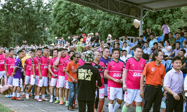 """""""Ông trùm"""" Phan Quân đưa quân đá giao hữu bóng đá gây quỹ từ thiện tại Quảng Ninh - Ảnh 10."""