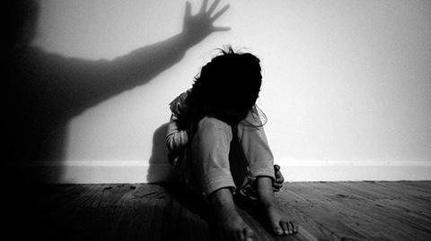 Xâm hại trẻ em và hệ lụy từ các mô hình gia đình khuyết thiếu - Ảnh 1.