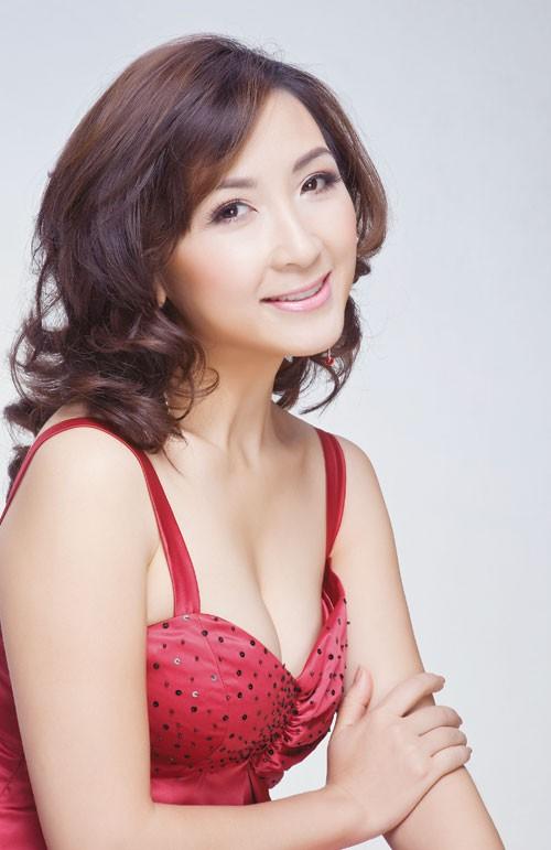 Diễn viên Khánh Huyền ngày đầu mới vào nghề, sở hữu gương mặt thanh tú