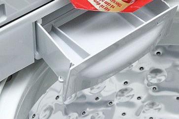 Cho quá nhiều bột giặt sẽ gây rủi ro trong quá trình máy hoạt động