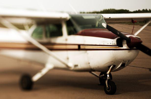 Nữ sinh 19 tuổi đột nhiên phá cửa máy bay nhảy xuống chết ngay tại chỗ và bí ẩn đằng sau - Ảnh 5.