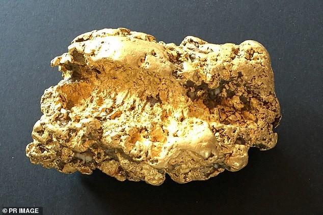 Đào được cục vàng 2kg, thức trắng 3 đêm không ngủ - Ảnh 2.