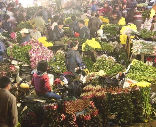 Những loài hoa tài lộc, may mắn đắt hàng nhất mùa Vu lan - Ảnh 1.