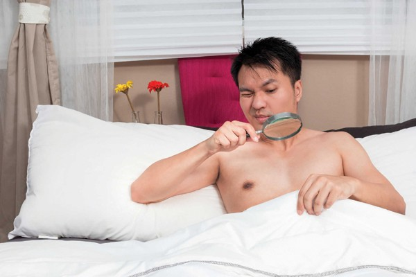 Trai trẻ cũng có thể hoảng loạn vì rối loạn cương - Ảnh 1.