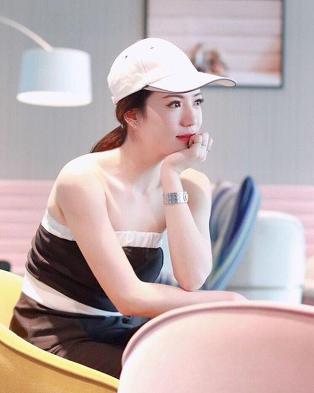 Cô giáo kiêm tiếp viên hàng không hot nhất Thái Lan đẹp nhờ chăm sóc kỳ công - Ảnh 9.